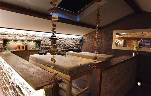 http://www.laroutedessens-pusignan.fr/wp-content/uploads/2019/07/salle-massage-pusignan.jpg